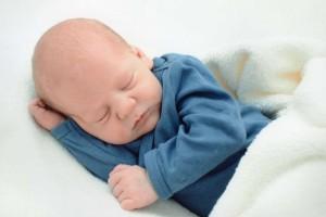 十个月宝宝抽搐怎么办呢十个月宝宝抽搐的症状有哪些